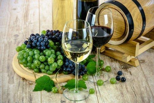 Fordele og ulemper ved at bestille vin online